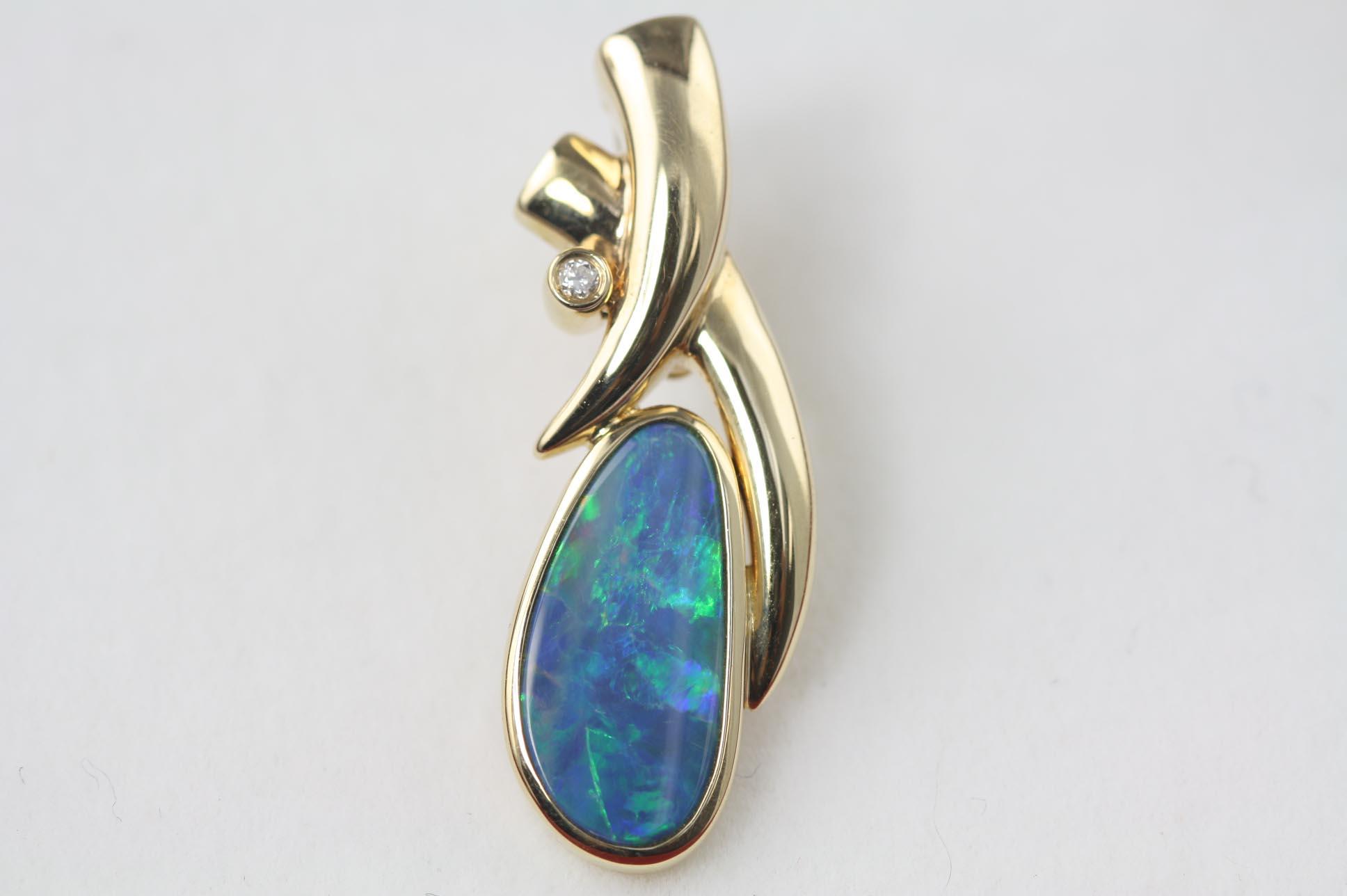 Opal Pendant And Enhancer