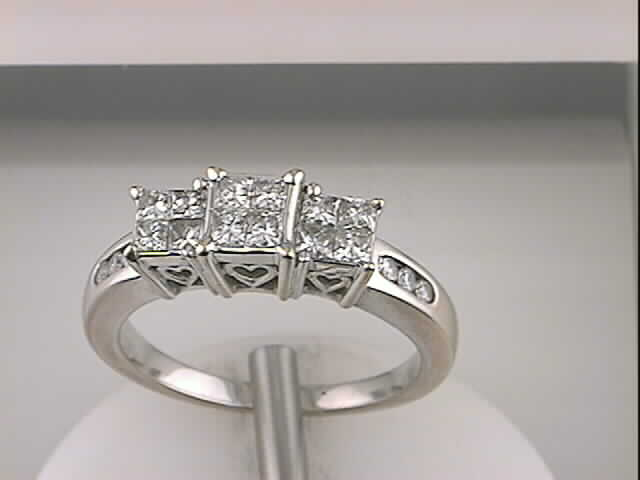 Ladies Cluster Ring