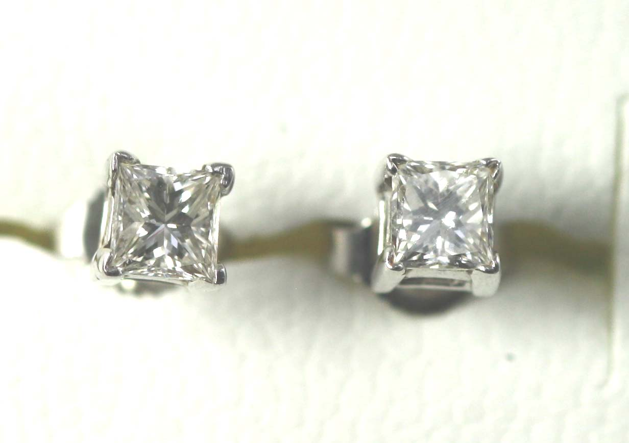 Diamond Studs 0.50 ct.