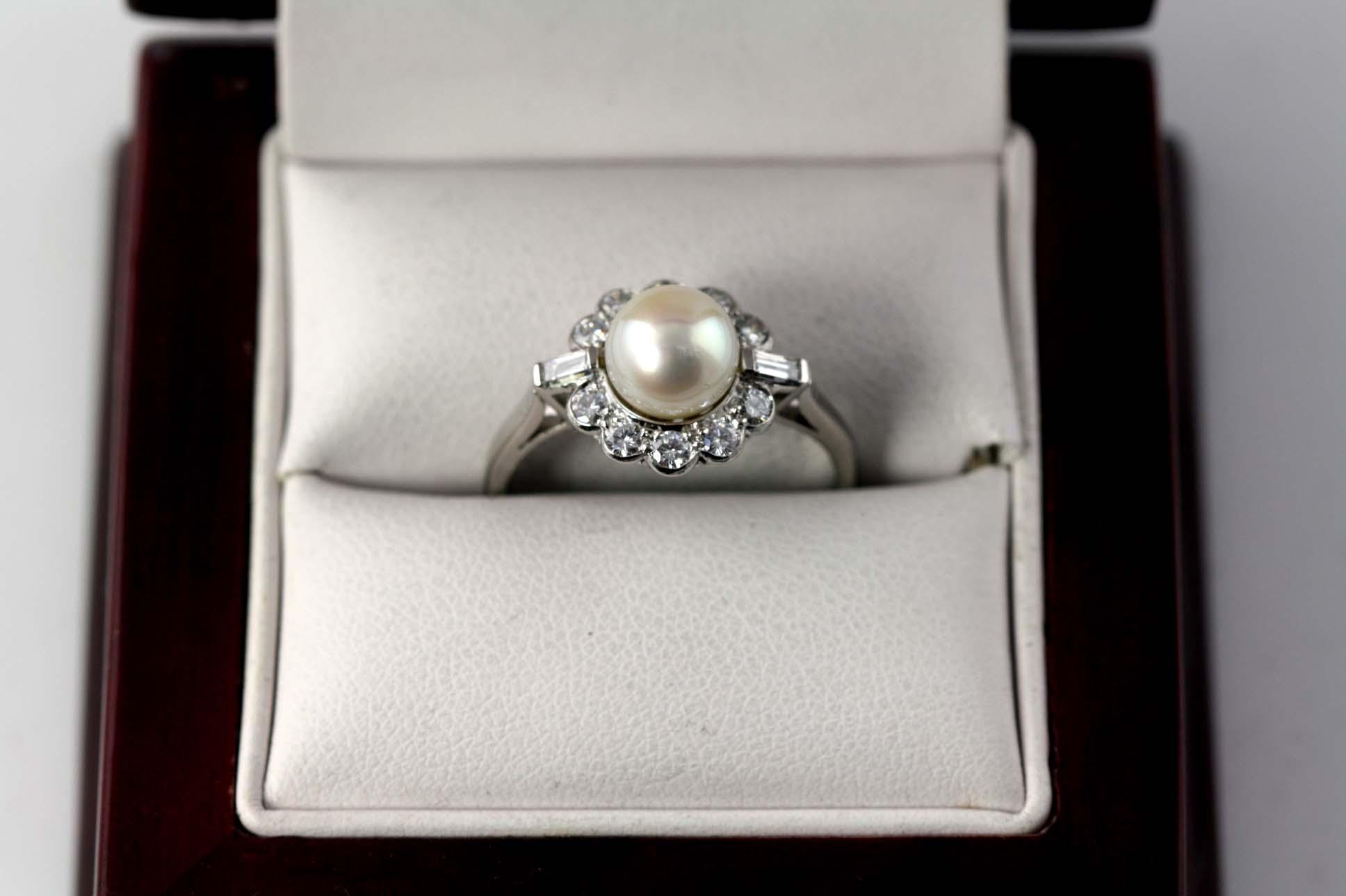 Pearl & diamonds in platinum