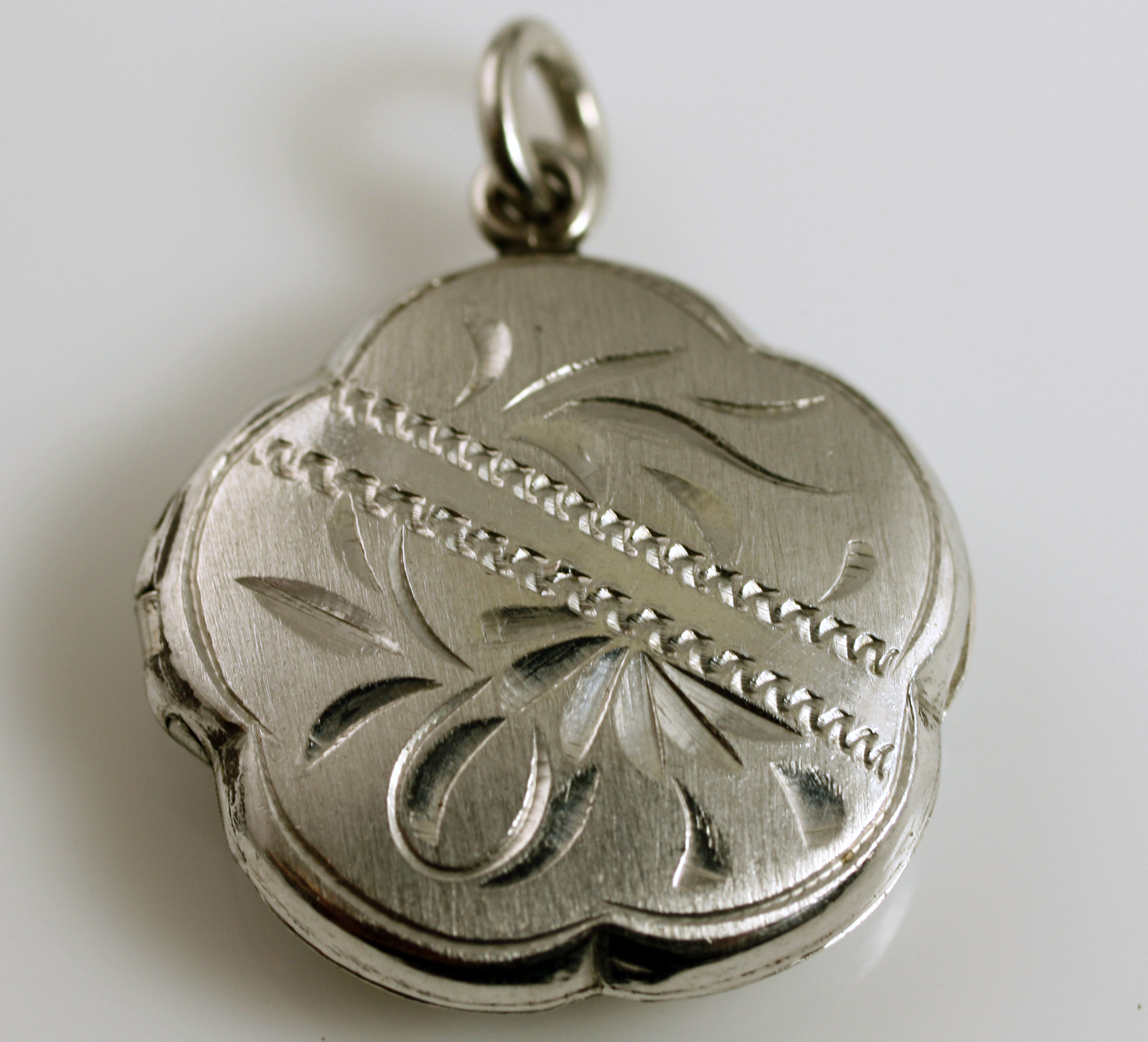 Platinum Locket SKU 558-03409